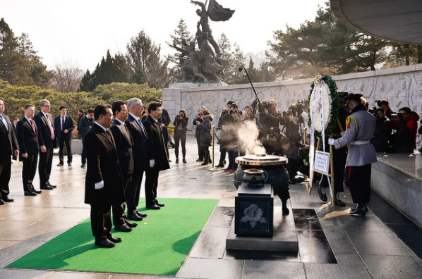 Mattis participating in the wreath ceremony at Seoul National Cemetery.
