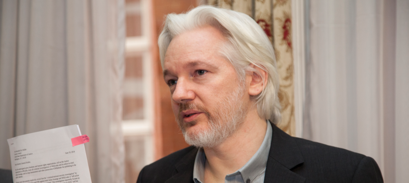 Assange Says Wikileaks Will Share Details Of CIA Hacking Tools With Tech Companies Featured