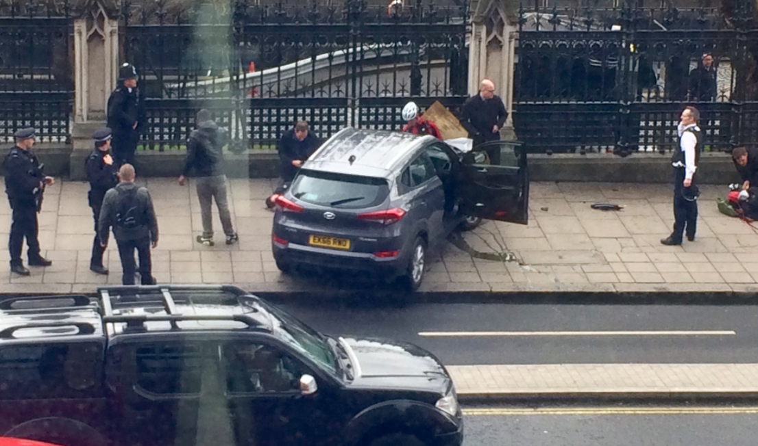 Reports Of Shots Fired, Vehicle Attack Outside British Parliament, Parliament Locked Down Featured