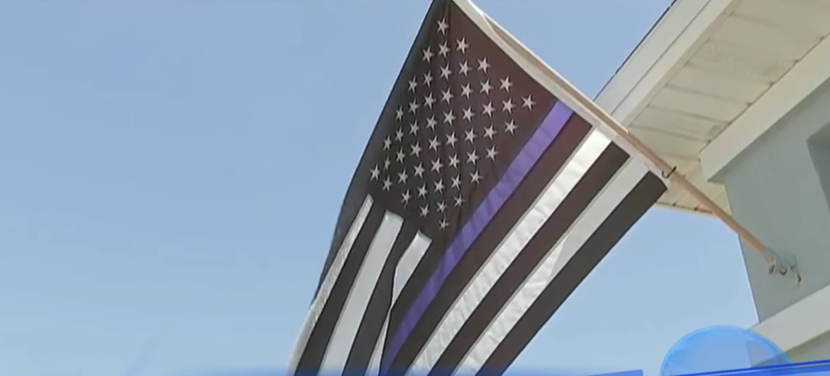 "Florida Woman Forced To Take Down ""Racist"" Blue Lives Matter Flag Featured"