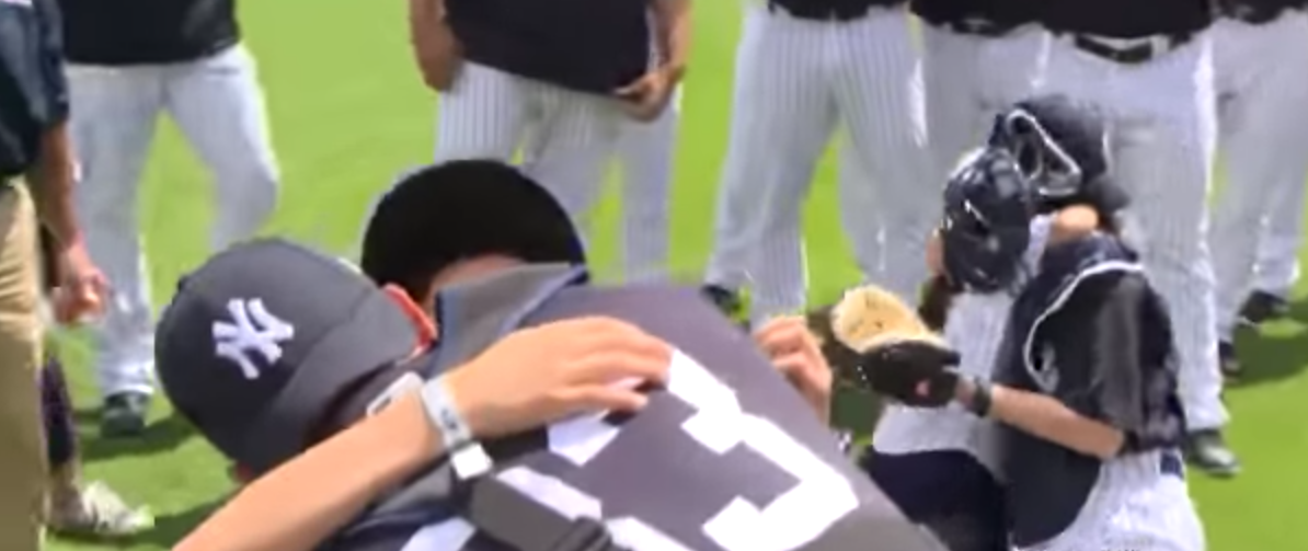 Military Family Reunited For The First Time In 9 Months At Yankee Game Featured