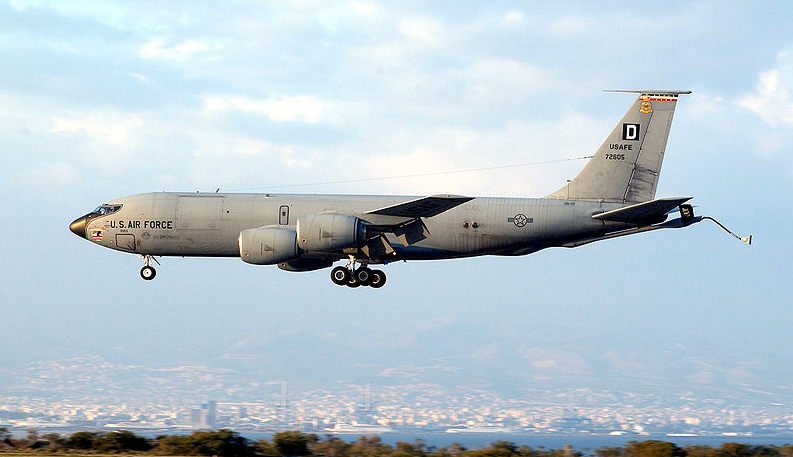"(VIDEO) Check Out The ""Stratotanker"" Aerial Refueling Aircraft Featured"