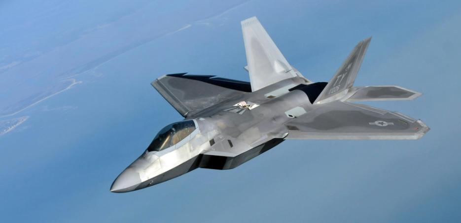 U.S. F-22s Intercept Russian Bombers Near Alaskan Border Featured