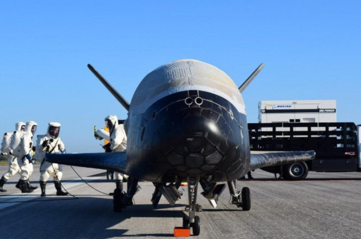 Screen Shot 2017 05 08 at 4.37.49 PM - Here's Everything We Know About The Mysterious Air Force Plane That Just Landed After 2 Years In Space