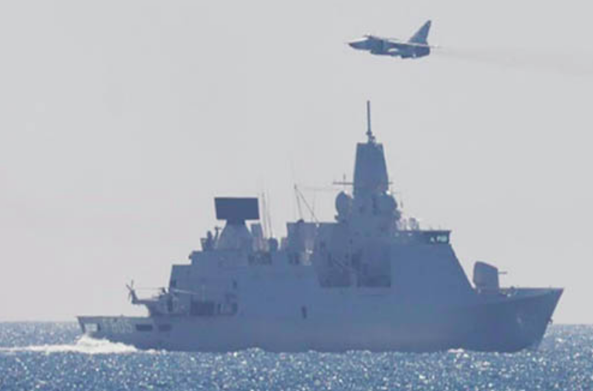Watch 2 Russian Attack Jets Harass A Dutch Navy Frigate In The Baltic Sea Featured