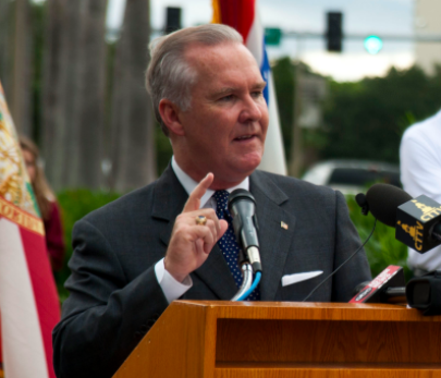 Tampa Mayor Jokes About Gunning Down Journalists Who Would 'Cry Like Little Girls,' Called It 'Payback' Featured