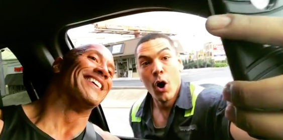(VIDEO) The Rock stops in traffic to take a selfie with a stunned fan Featured