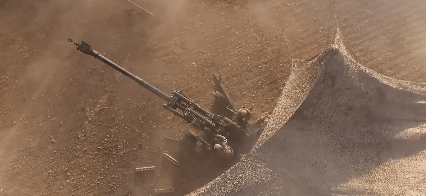 Screen Shot 2017 07 03 at 4.18.21 PM - Incredible video footage shows US Marines striking ISIS with artillery