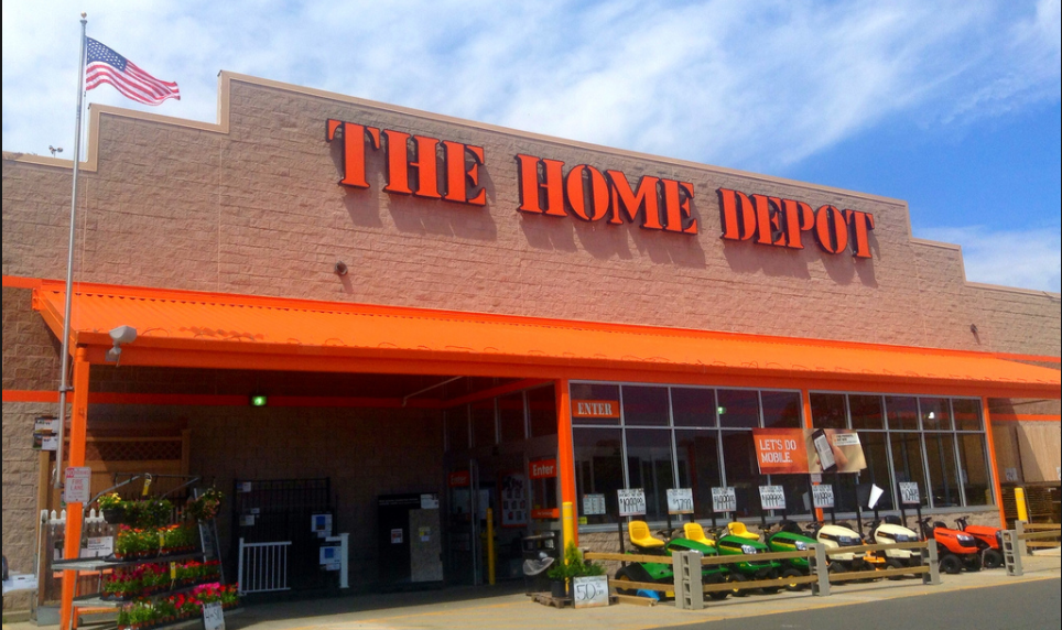 70-year-old Army vet fired from Home Depot for attempting to stop shoplifters Featured