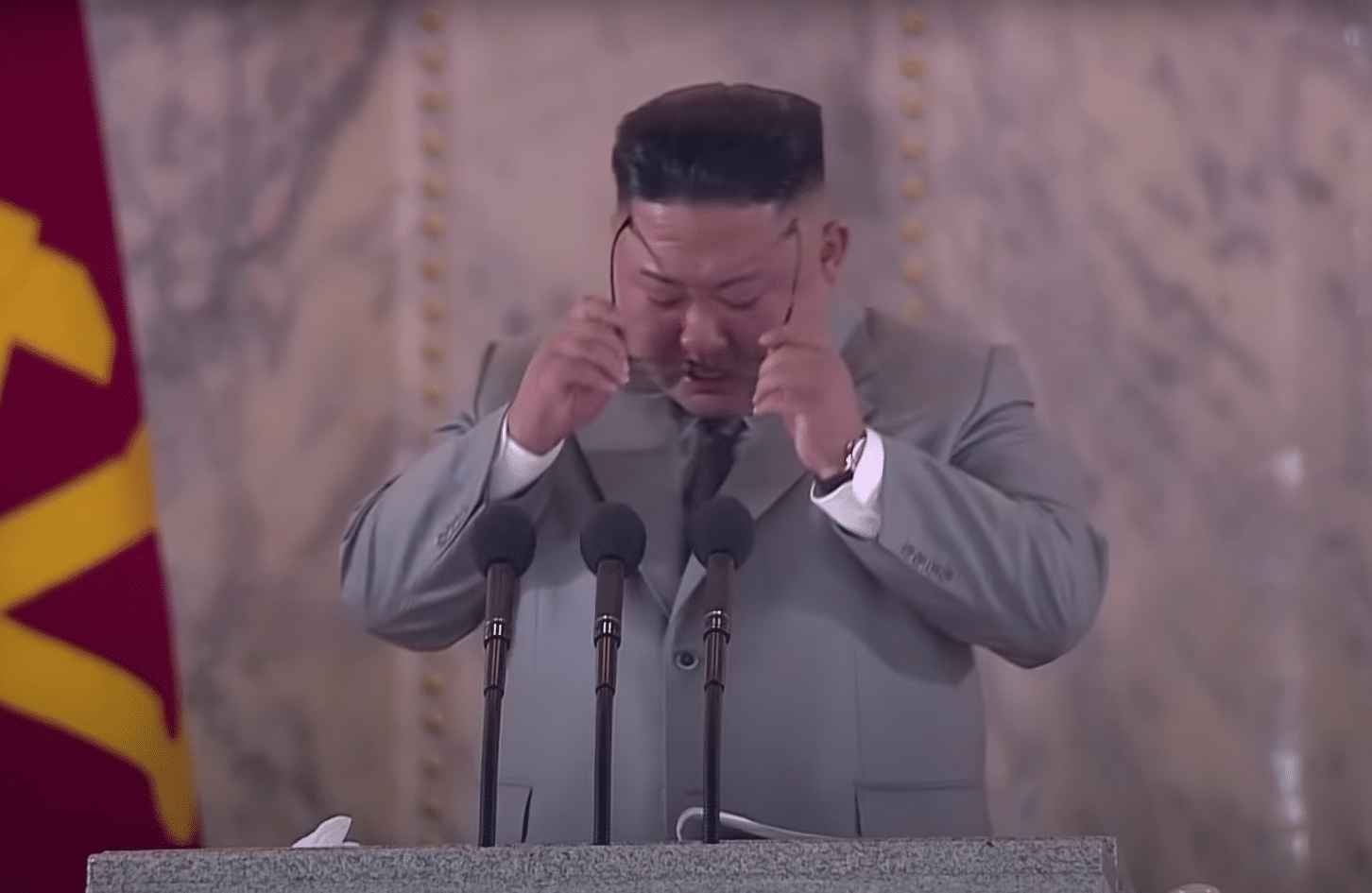 Video: Kim Jong Un cries, tells North Koreans 'I am really sorry' in public speech