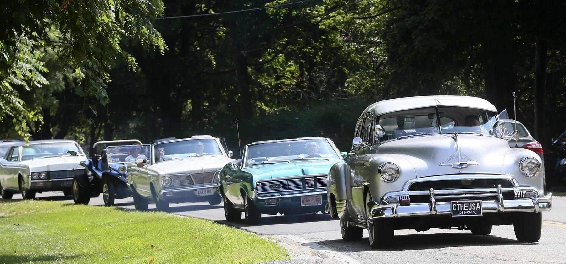 Family, car enthusiasts turn veteran's dying wish into heartfelt memorial ride