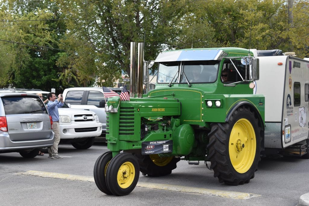Florida man drives 1948 tractor across country to support veterans
