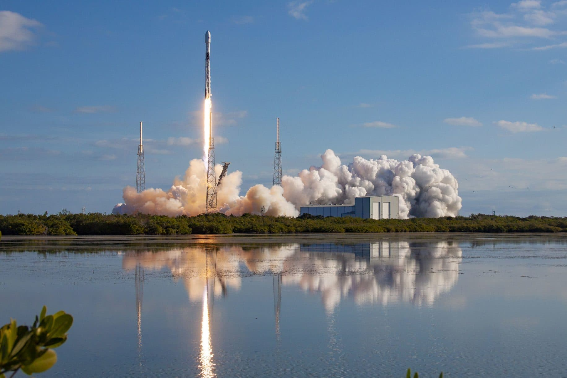 SpaceX set to launch another 60 internet Starlink satellites Saturday, taking total constellation to 300