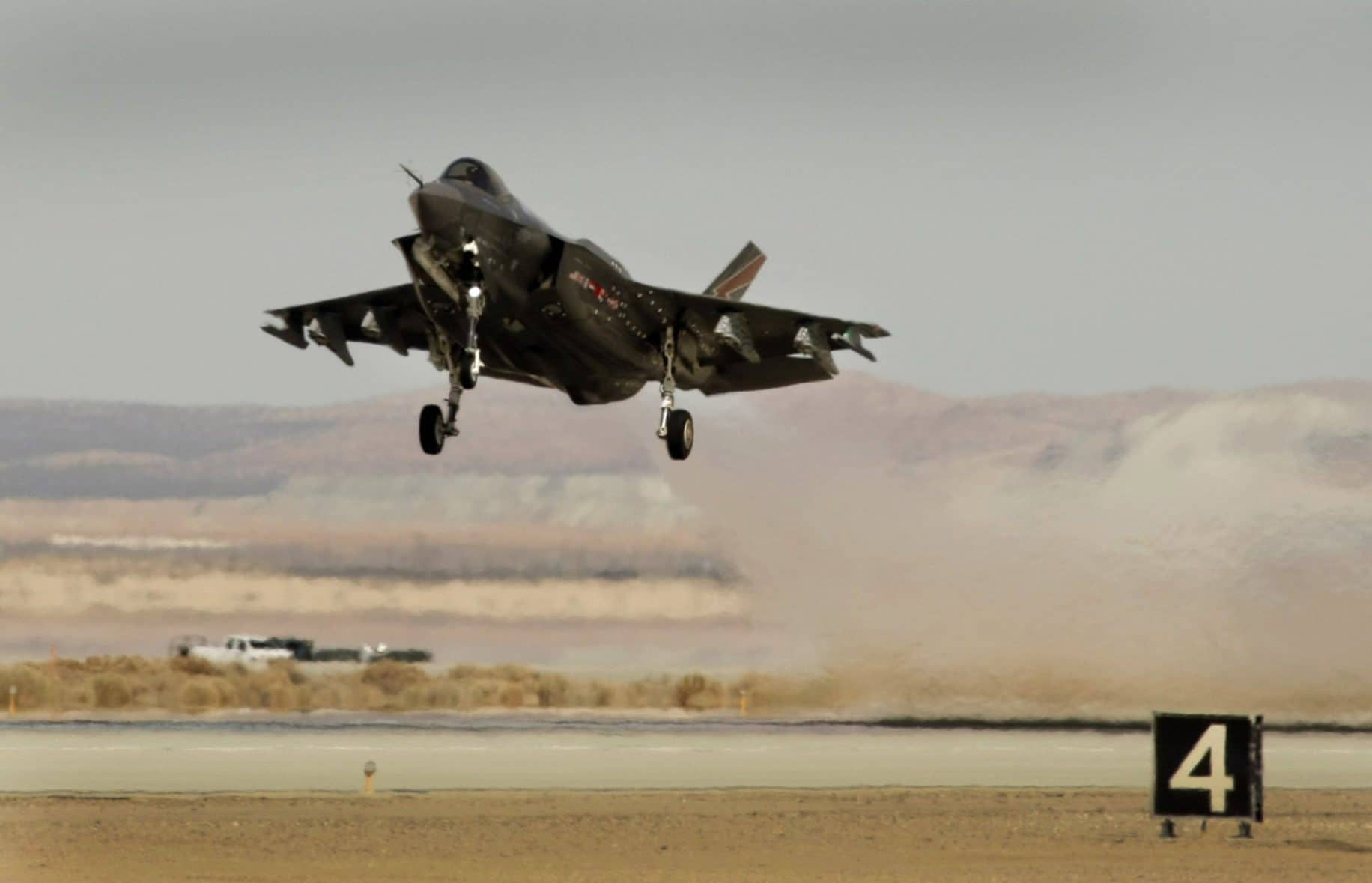 Report: More than 1,000 Madison homes would be 'incompatible for residential use' with F-35 jets