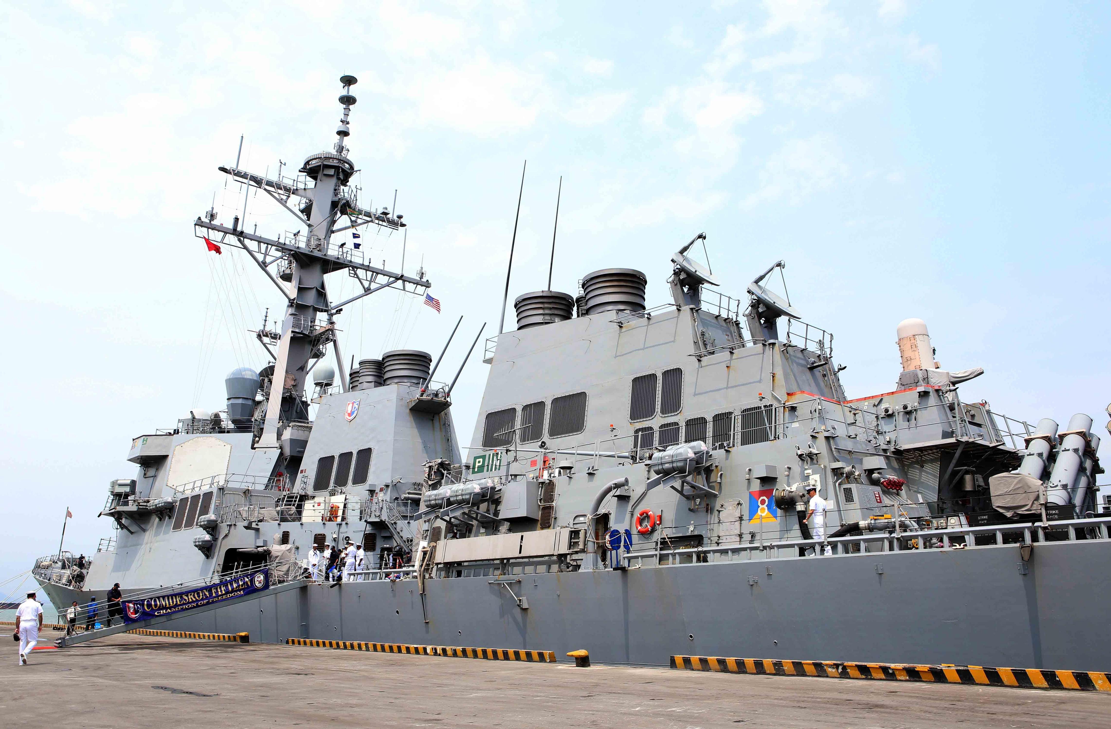 Navy report details crash scene inside destroyer Fitzgerald Featured