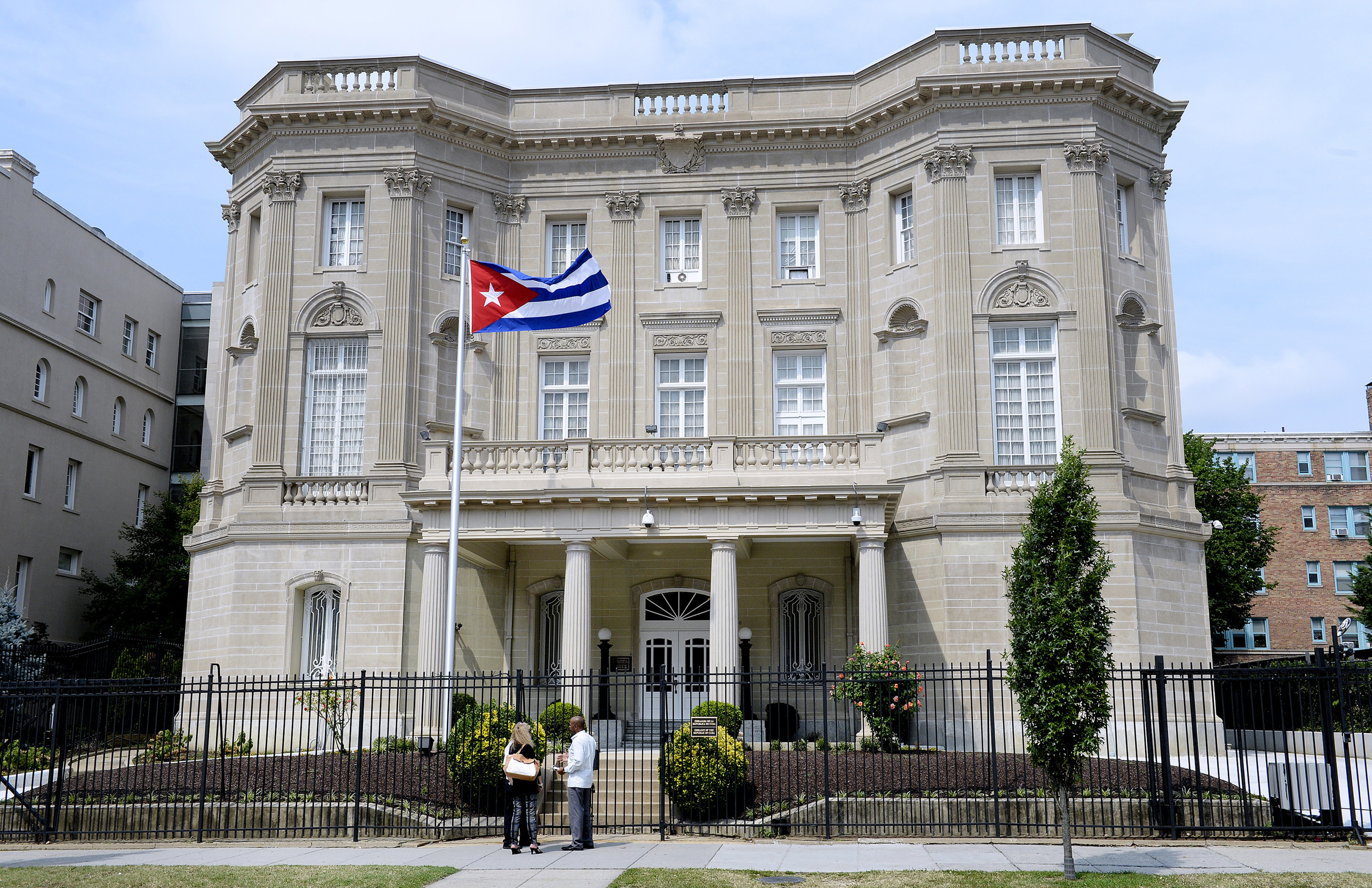 US expels 15 Cuban diplomats, and another victim confirmed in Havana sonic attack Featured