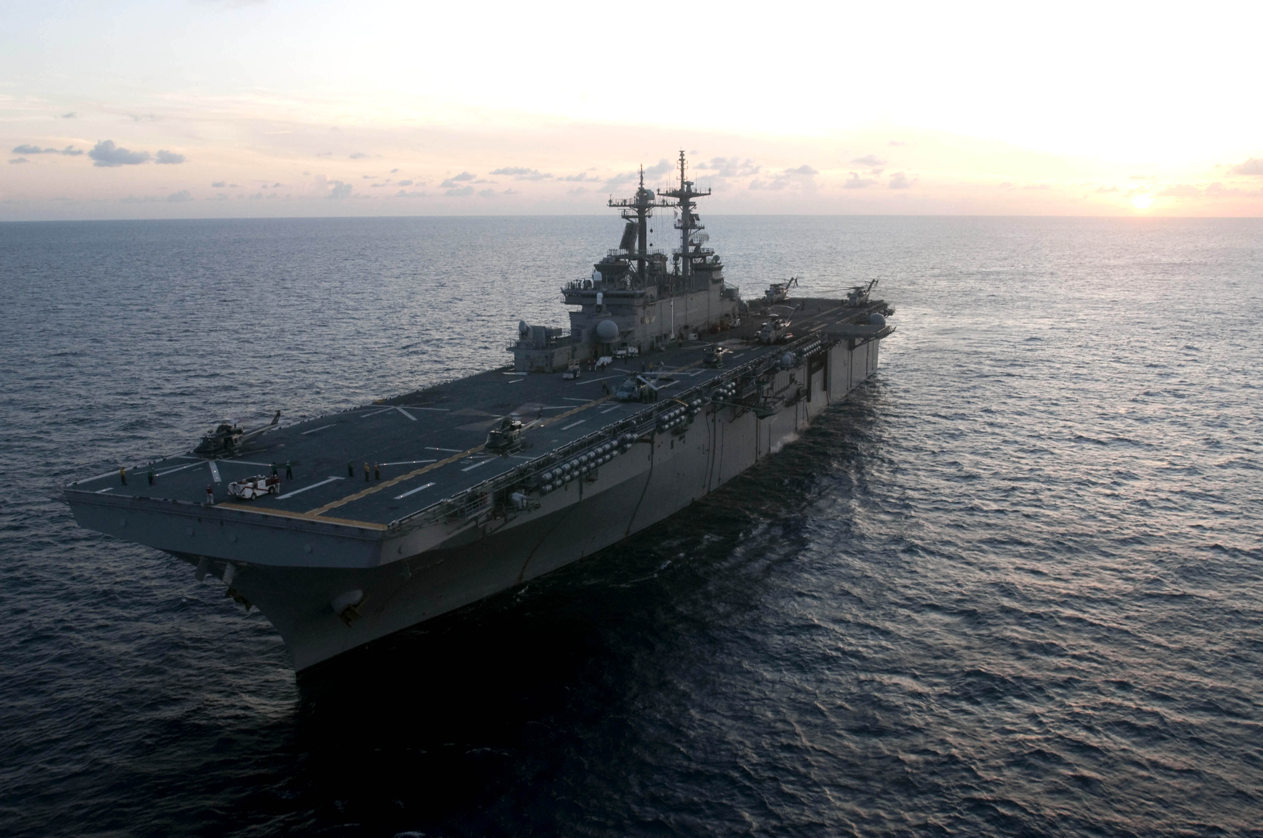 USS Wasp Brings US Service Members Home Just In Time For The Holidays Featured
