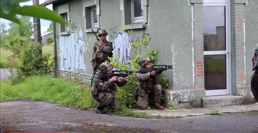 (VIDEO) U.S. Marines & French Army Simulate Heavy Urban Combat Firefight Featured