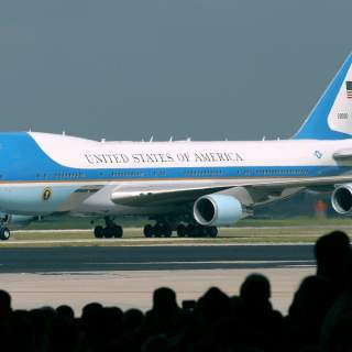 VC 25040616 F 5677R 002 1 320x320 - Trump wanted a cheaper Air Force One. So the USAF is buying a bankrupt Russian firm's undelivered 747s