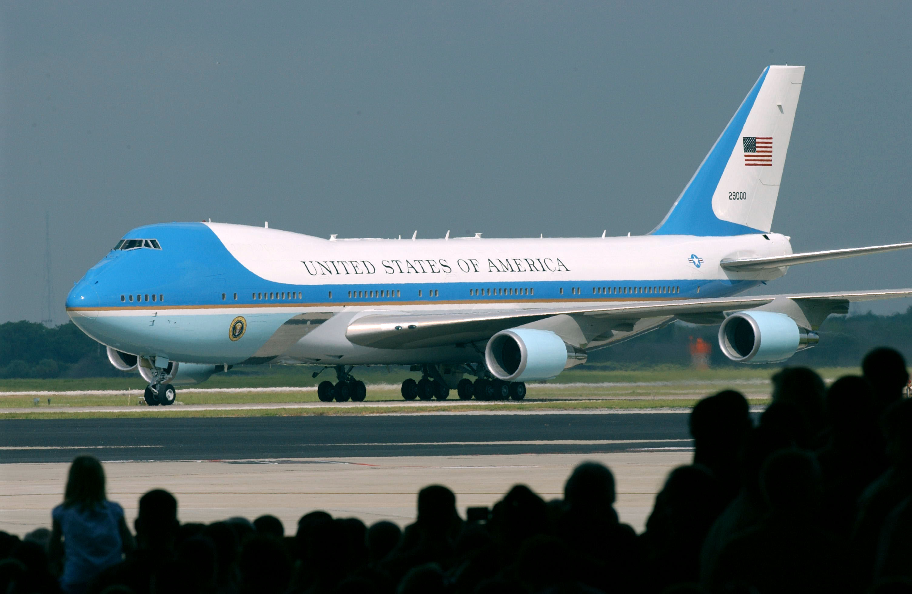Trump wanted a cheaper Air Force One. So the USAF is buying a bankrupt Russian firm's undelivered 747s Featured