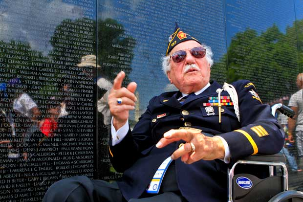 Veteran Vietnam Wall 2