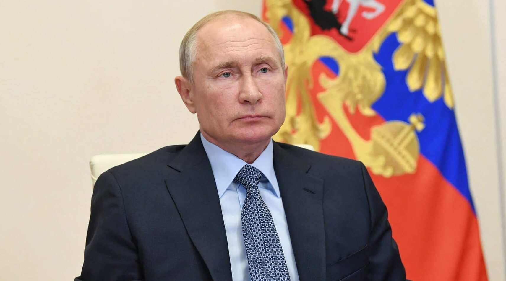 Russia warns west not to 'play with fire' with Navalny sanctions