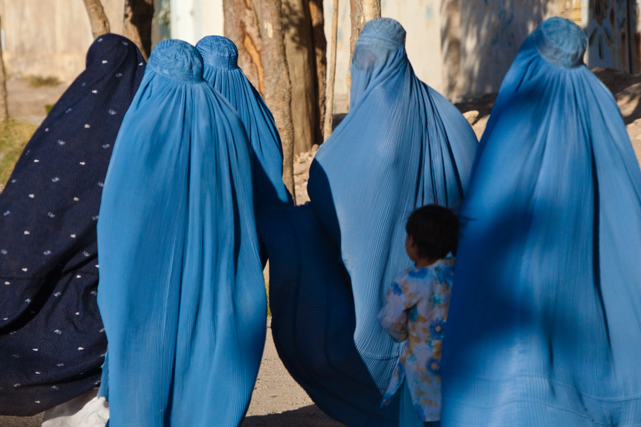 Austria Bans Full-Face Burqas, Will Fine Women Who Wear Them Featured