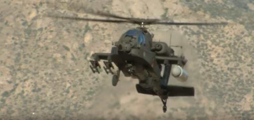 apache laser - (VIDEO) US Army fires laser beam from AH-64 Apache helicopter