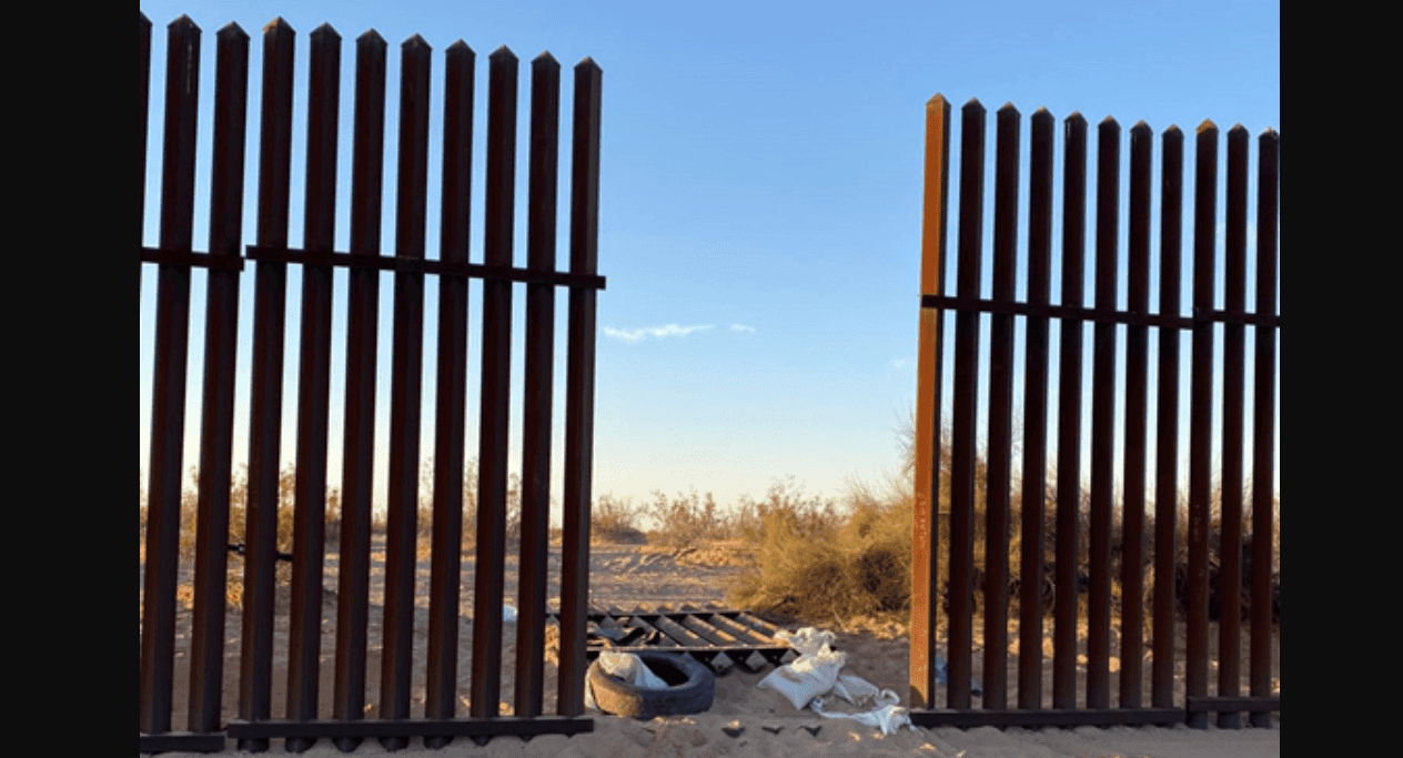 2 SUVs carrying up to 44 migrants entered US through hole in border fence, crashed in separate accidents