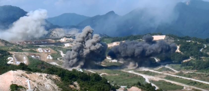 coulds - Explosive Video Footage Of The U.S. Military And ROK Army Putting On An Amazing Show Of Force
