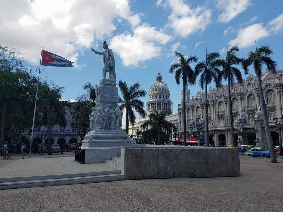 cuba - Op-Ed: Experiencing both sides of the wire in Cuba, both at Guantanamo Bay and Havana