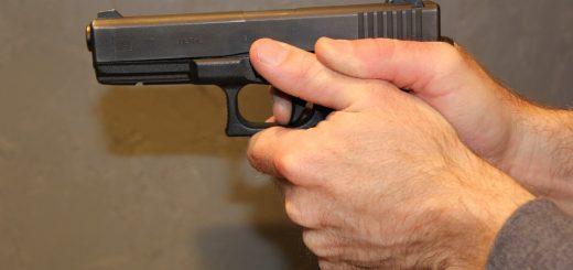 gunpoint-308107_960_720