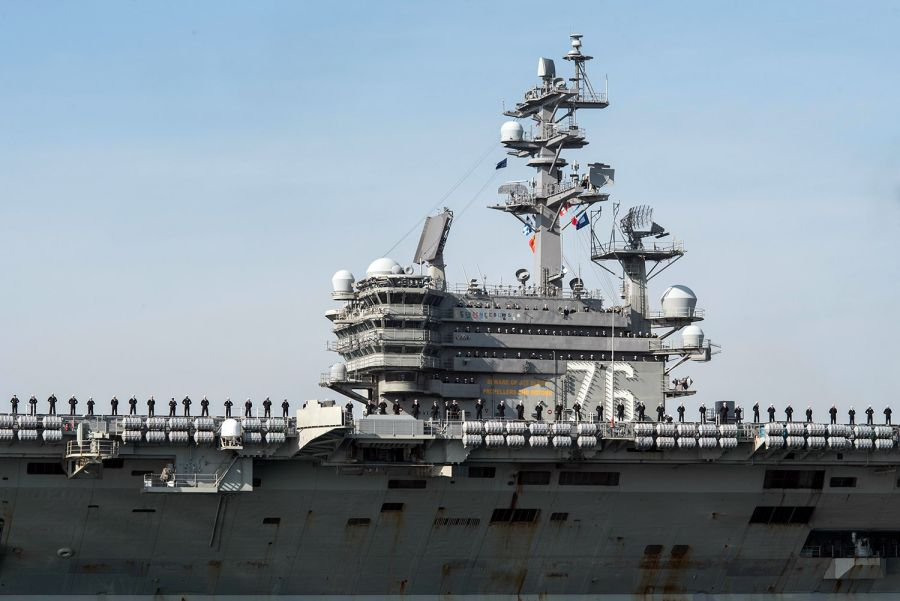 US aircraft carrier visits Philippines amid tensions between Manila, Beijing