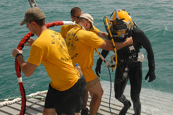 kuwait salvage diver - (VIDEO) Learn All About The Career Of A U.S. Army Diver