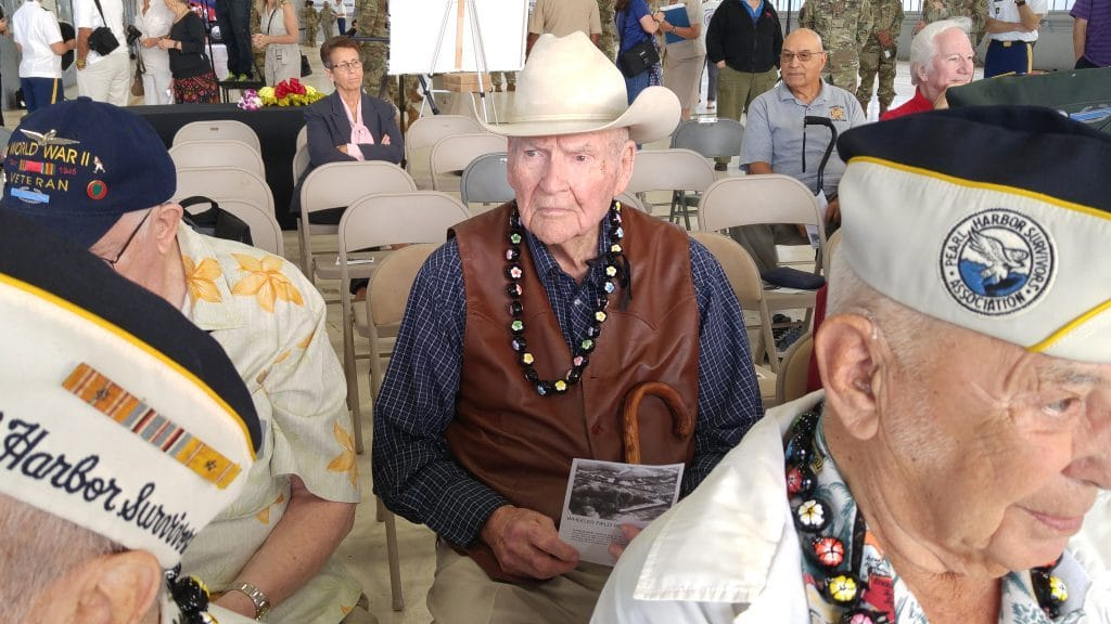 James R. Leavelle, detective handcuffed to Lee Harvey Oswald, dies at 99