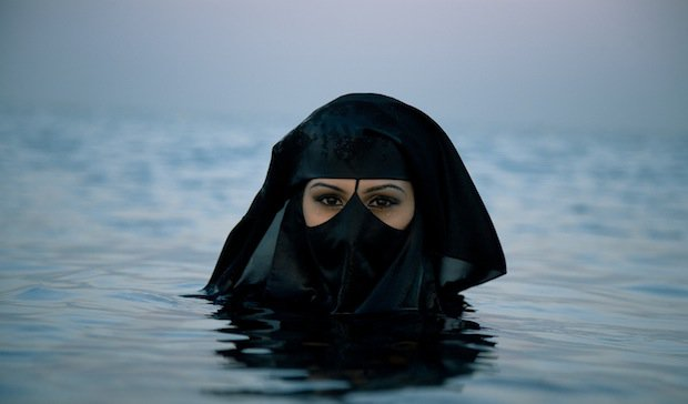 muslim woman swimming - Muslim Children Required To Swim With Classmates And Shake Female Hands To Become Swiss Or Be Denied