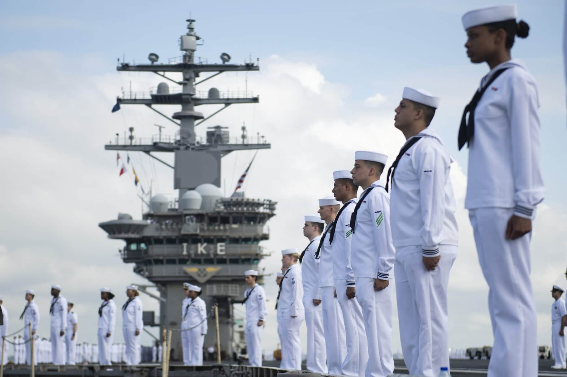 Navy ordering all sailors to re-swear oath to constitution in extremism stand-down