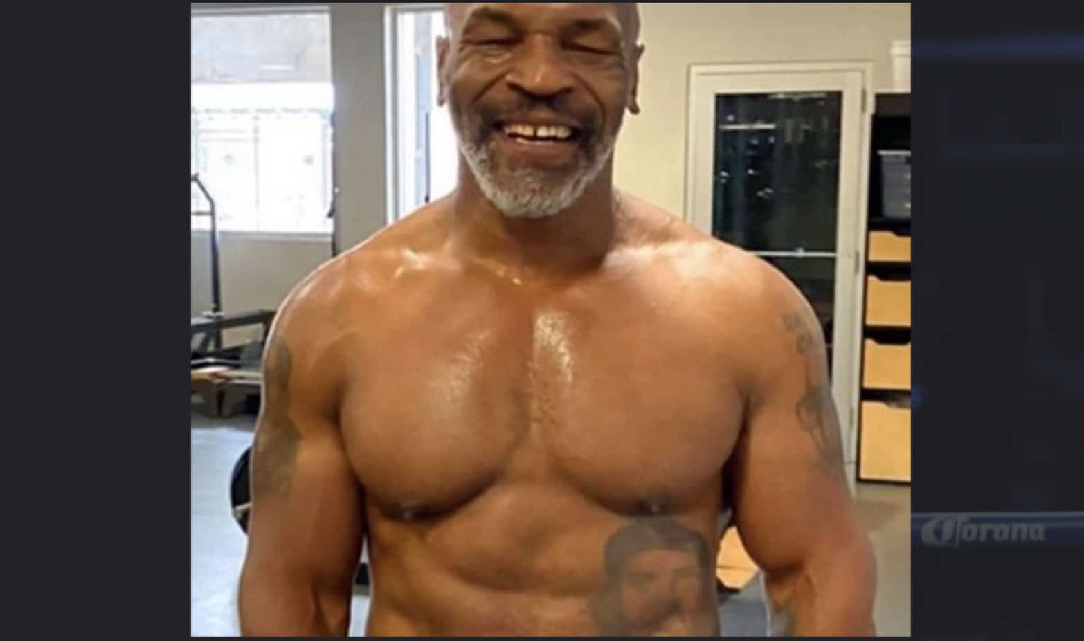 mike tyson making boxing comeback against roy jones jr in 8 round exhibition match mike tyson making boxing comeback